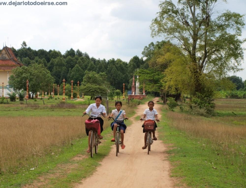 Ruido y sonrisas ¡esto es Camboya! KRATIE