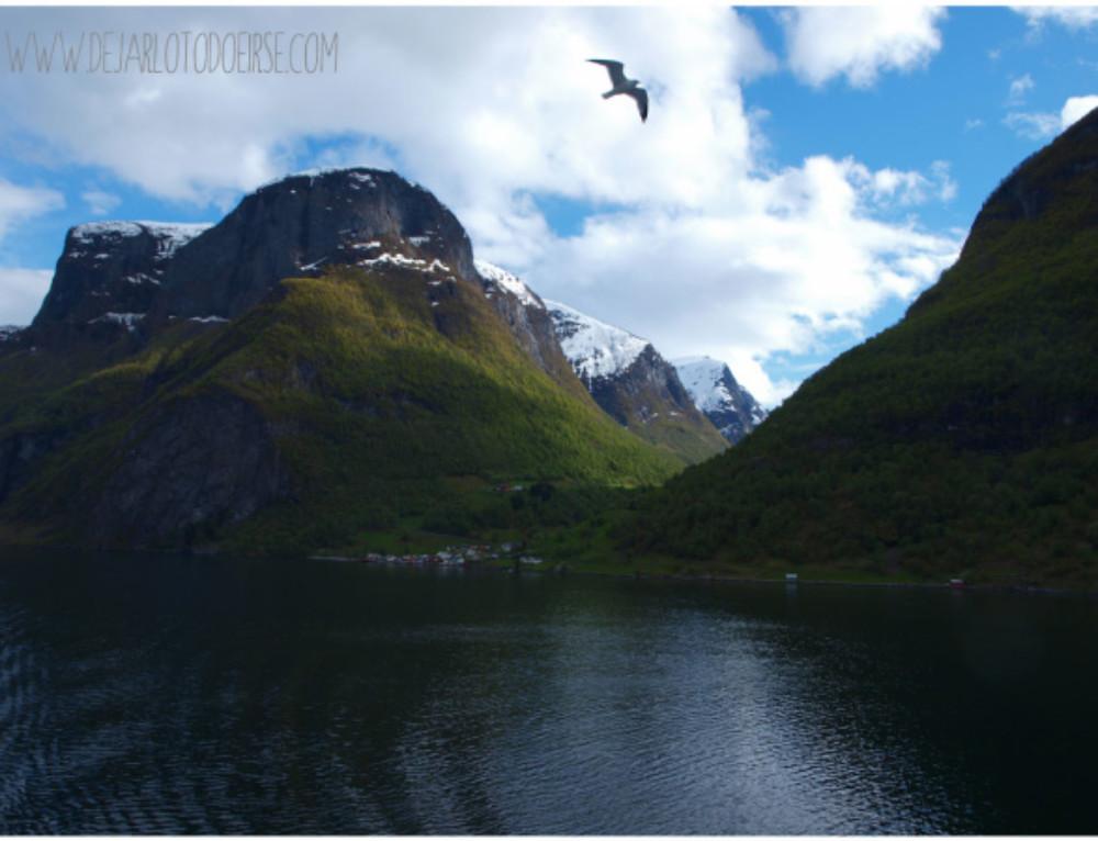 Descubriendo los fiordos noruegos: Flåm, Hellesylt y Geiranger