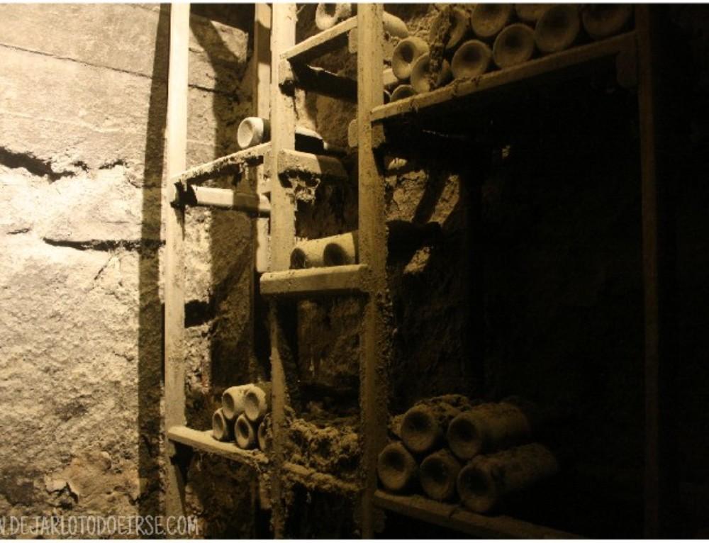 Bodegas caladas en piedra, viñedos centenarios y raíces de una viajera
